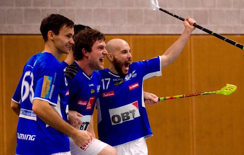 Euforie v Klotenu a Milan Garčar. Foto: facebook/unihockey-photos.ch