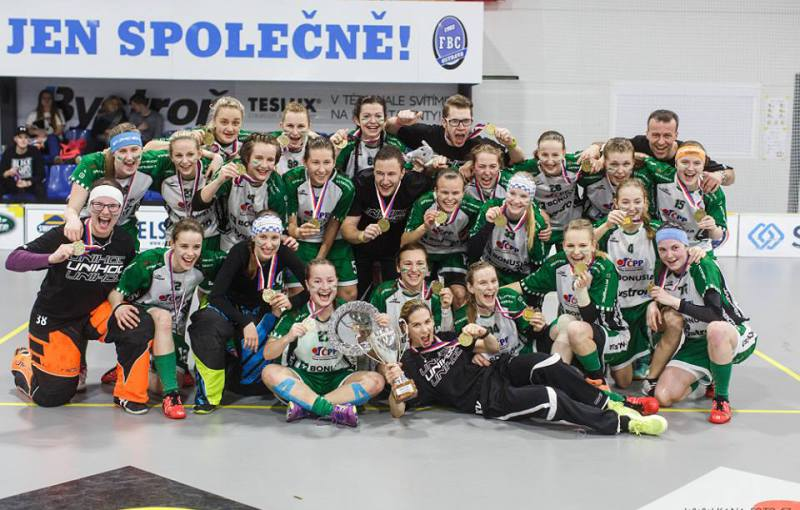 Juniorské zlato patří pro letošní sezonu florbalistkám FBC Ostrava. Foto: Facebook FBC Ostrava