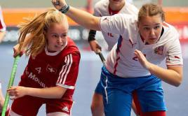 Barbora Husková ukázala svůj důraz před brankou a dala Švýcarkám dva góly.