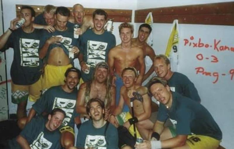 BK Kamomill po vítězství nad Pixbem (1997)