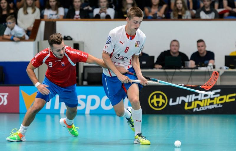 Filip Langer ve svém prvním utkání za národní tým mužů proti Slovensku (9:5). Foto: Martin Flousek