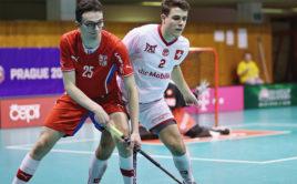 Česká juniorská reprezentace se střetla se Švýcarskem. Foto: Český florbal
