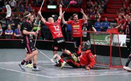 Hráči Storvrety právě skórují v superfinále. Foto: Per Wiklund