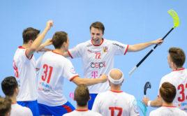 Adam Delong rozhodl svým nájezdem bitvu se Švýcarskem. Foto: Martin Flousek, www.ceskyflorbal.cz