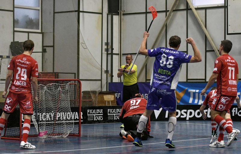 Čtvrtfinále nabídne bitvu dvou šampionů z let minulých. Foto: Tatran Střešovice, Český florbal