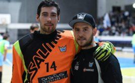 Trenér brankářů Milan Peterka s Lukášem Bauerem. Foto: Technology Florbal MB