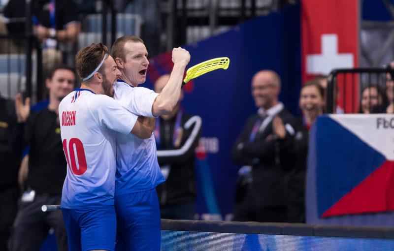Kronberg utekl obráncům švýcarska a mohl se radovat ze své třetí trefy na šampionátu. Foto: Flickr IFF