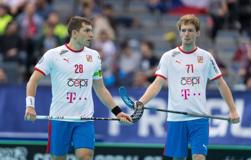 Matěj Jendrišák a Ondřej Němeček, spoluhráči v Linköpingu i v reprezentaci. Foto: Martin Flousek, Český florbal