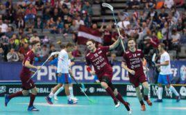Atis Stepans se raduje z branky, která byla nakonec vítězná. Foto: Martin Flousek, Český florbal