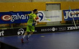 Jakub Hubálek rozhodl čtvrtfinálovou bitvu s Tatranem. Foto: 1. SC Vítkovice, Český florbal