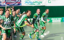 Velká radost hráček Bohemians poté, co Adéla Bočanová rozhodla o triumfu nad Panthers. Foto: Šimon Jiráček, FbŠ Bohemians