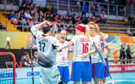 České florbalistky vstoupily do MS 2019 výhrou nad Lotyšskem. Foto: Claudio Schwarz, unihockey-fotos.ch