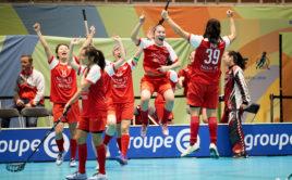 Euforie hráček Singapuru po postupu do osmifinále z 1. místa skupiny D. Foto: Michael Peter, IFF