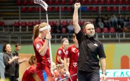 Český tým má důvod slavit, povedlo se mu utkání se Slovenskem. Foto: Michael Peter, IFF