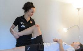 Fyzioterapeutka Ivana Emmerová v akci. Foto: Martin Flousek, Český florbal