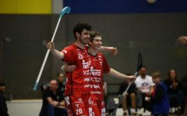 Jakub Kolísko a Matěj Havlas se podíleli na výhře Tatranu v prvním čtvrtfinále. Foto: FAT PIPE Florbal Chodov
