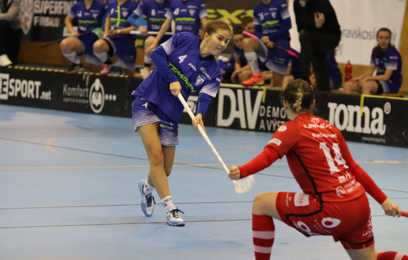 Jak v sobotu, tak v neděli se musely vítkovické hráčky popasovat se ztrátou 0:3. Foto: 1. SC TEMPISH Vítkovice, Český florbal