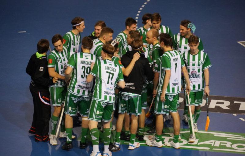 Florbalisté Bohemians se radují z vítězství. Foto: FbŠ Bohemians, Český florbal