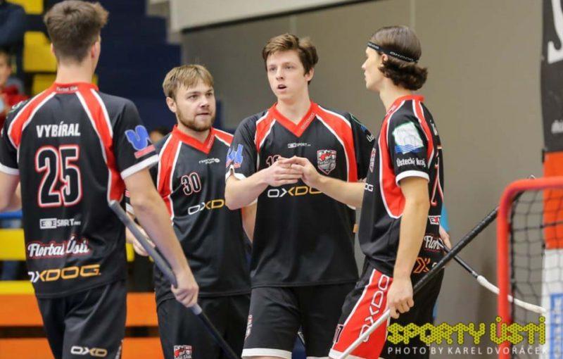 Dominiku Benešovi (druhý zprava) se v posledních dvou zápasech náramně dařilo. Foto: Sporty Ústí