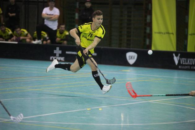 Michal Strachota byl v duelu s Pardubicemi hodně aktivní. Foto: TJ Sokol Královské Vinohrady, Český florbal
