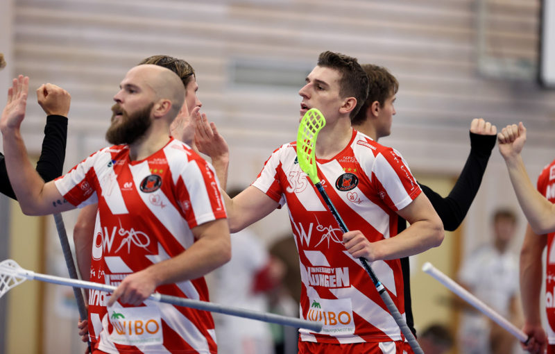 Marek Beneš zapsal v premiérovém zápase letošní sezony jeden gól a jednu asistenci. Foto: Per Wiklund, www.perwiklund.se