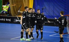 Hráči Hattricku Brno zaznamenali proti Pardubicím důležité vítězství. Foto: FBŠ Hummel Hattrick Brno, Český florbal