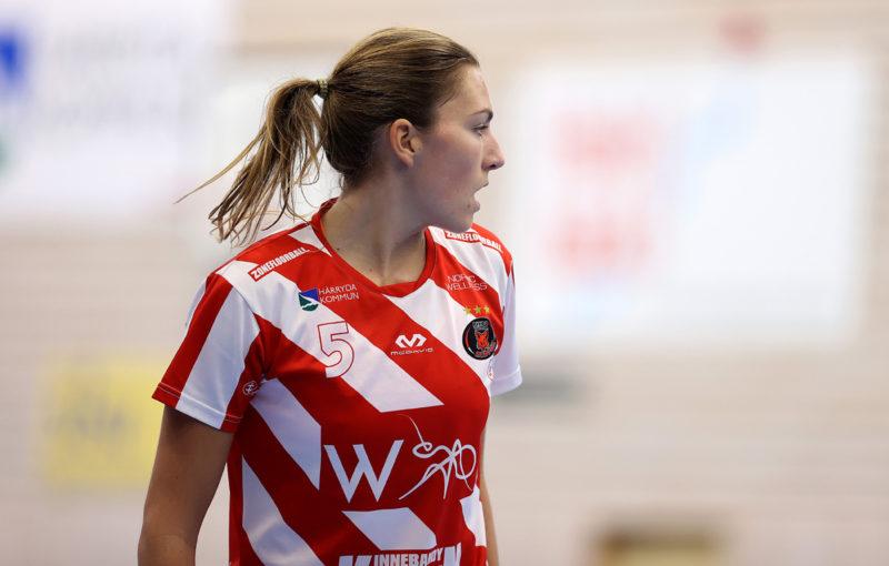 Eliška Krupnová v dresu Pixba. Foto: Per Wiklund, www.perwiklund.se