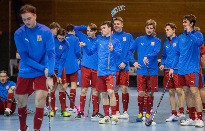 Čeští junioři si budou muset na domácí světový šampionát chvíli počkat. Foto: Matyáš Klápa, Český florbal