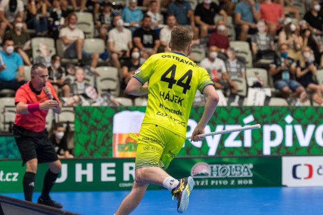 Lukáš Hájek vstřelil v první třetině superfinále dva góly. Foto: Martin Flousek, Český florbal