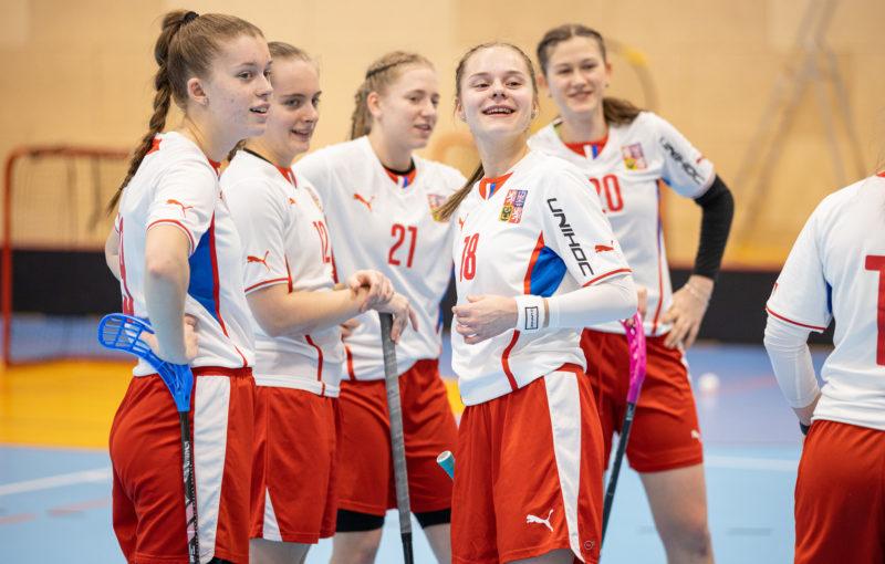 Reprezentace juniorek chce ve Švédsku bojovat o medaile. Foto: Flickr Český florbal
