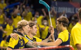 Švédové otočili duel o třetí místo a porazili Švýcary 7:6. Foto: Martin Flousek