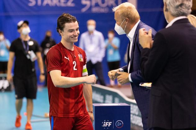 Po vítězném finále mohl Filip Forman přijímat gratulace. Foto: Matyáš Klápa