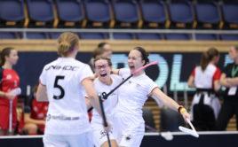 Obrovskou radost Němek podtrhuje střelkyně Leonie Vogt. Foto: Adam Troy