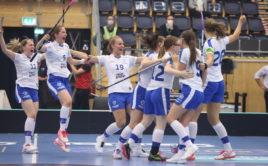 Finské florbalistky jsou ve finále světového šampionátu. Foto: Adam Troy